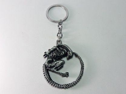 sivi alien vs predator privezak za ključeve logo znak