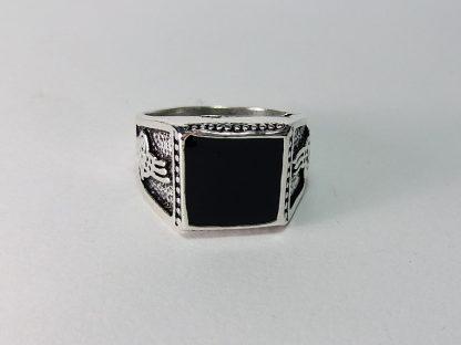 muški prsten od hirurškog čelika sa imitaciojom kamena