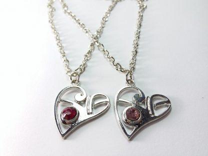 dva srca sa cirkonima ogrlice
