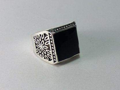 prsten sa imitacijom kamena za muškarce