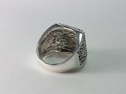 prsten za muškarce sa imitacijom kamena