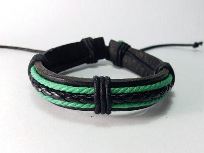 crna kožna narukvica sa dve zelene linije