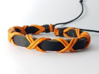 narandžasto crna narukvica od kože