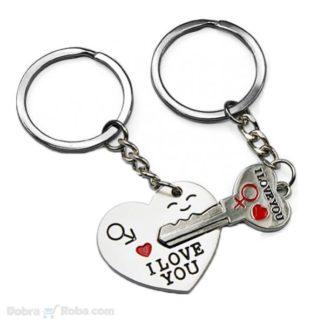 srce i ključ privesci za zaljubljene . poklon privezak za momka i devojku