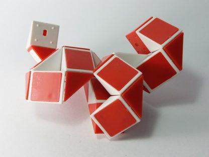 red cube kocka za slaganje