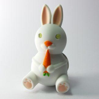 unikatni privezak zec igračka za decu i privezak istovremeno