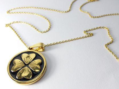 zlatna detelina sa četiri lista lančić sa priveskom srbija prodaja nakita od nerđajućeg čelika